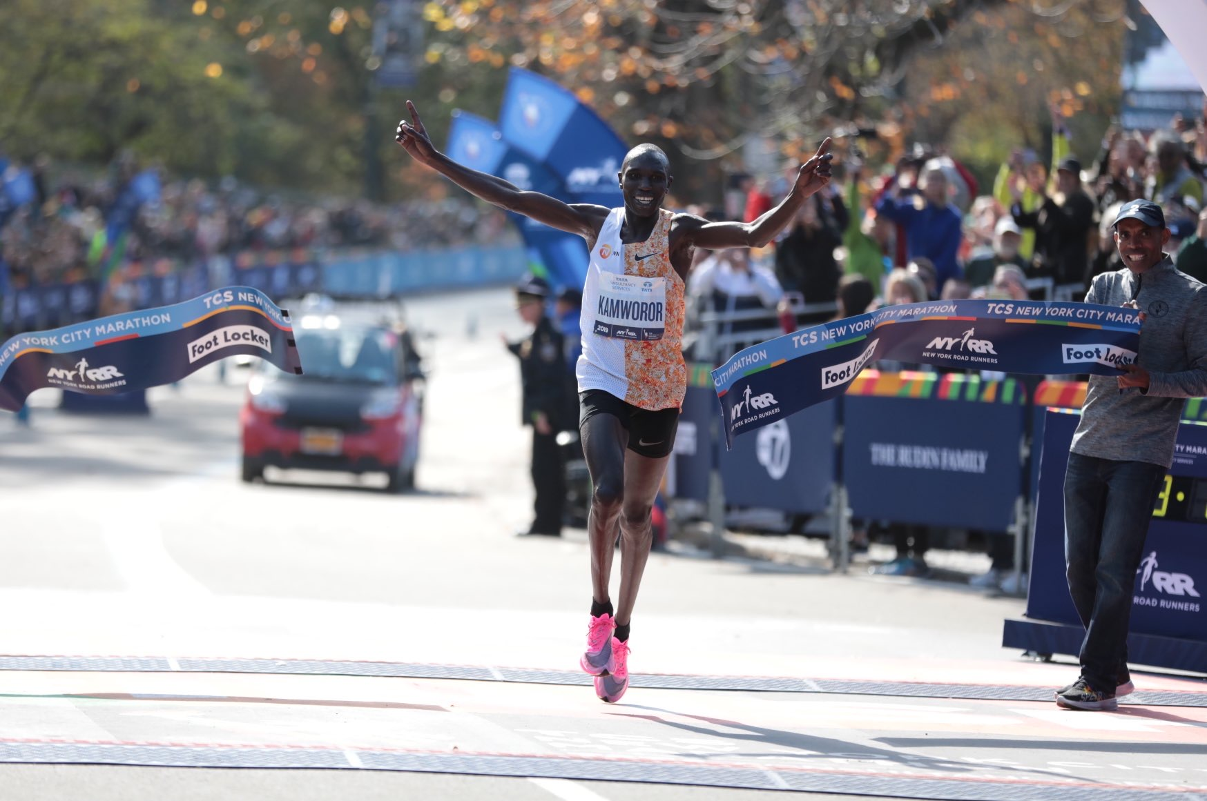 Geoffrey Kamworor winning the 2019 TCS New York City Marathon.