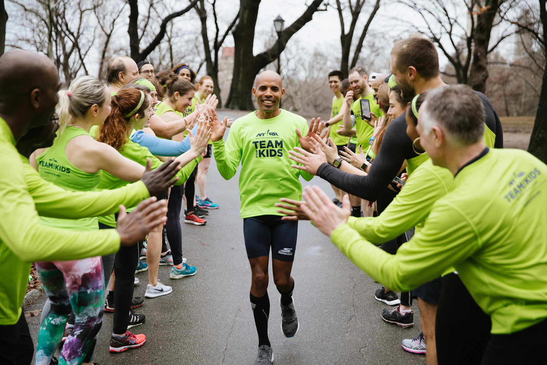 Meb Keflezighi runs the 2018 NYRR Virtual For the Kids 5K Benefiting Rising New York Road Runners (RNYRR).