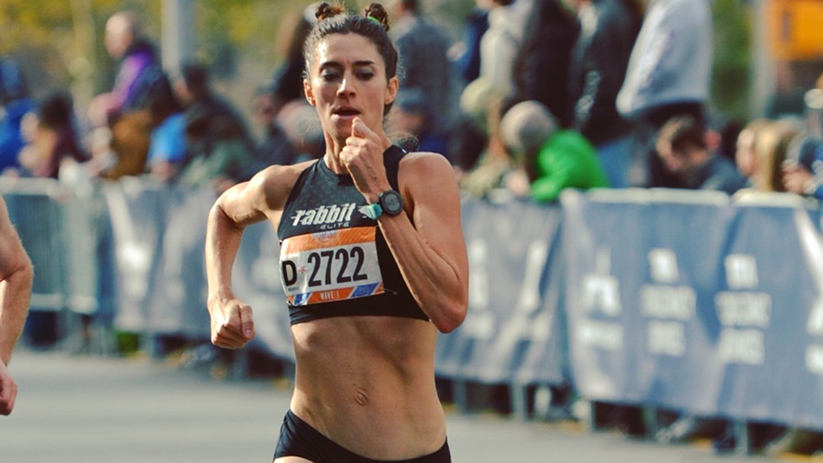 Local runner and assistant professor of anthropology at Stony Brook University Gabrielle Russo running the 2018 Staten Island Half