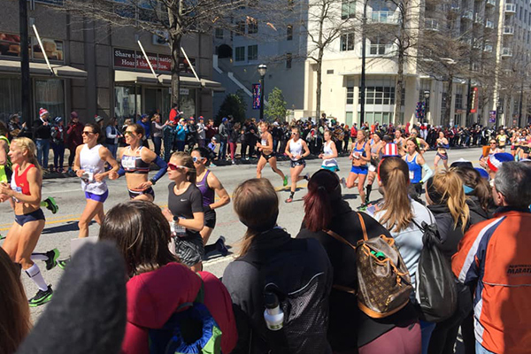 Spectators and runners at 2020 US Olympic Marathon Trials in Atlanta