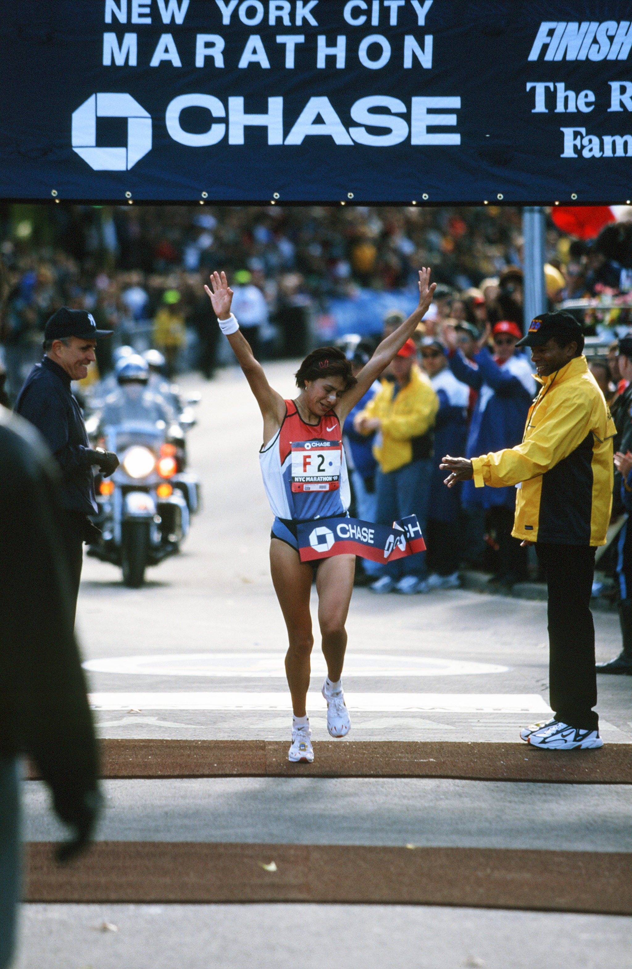 Adriana Fernandez winning the 1999 New York City Marathon