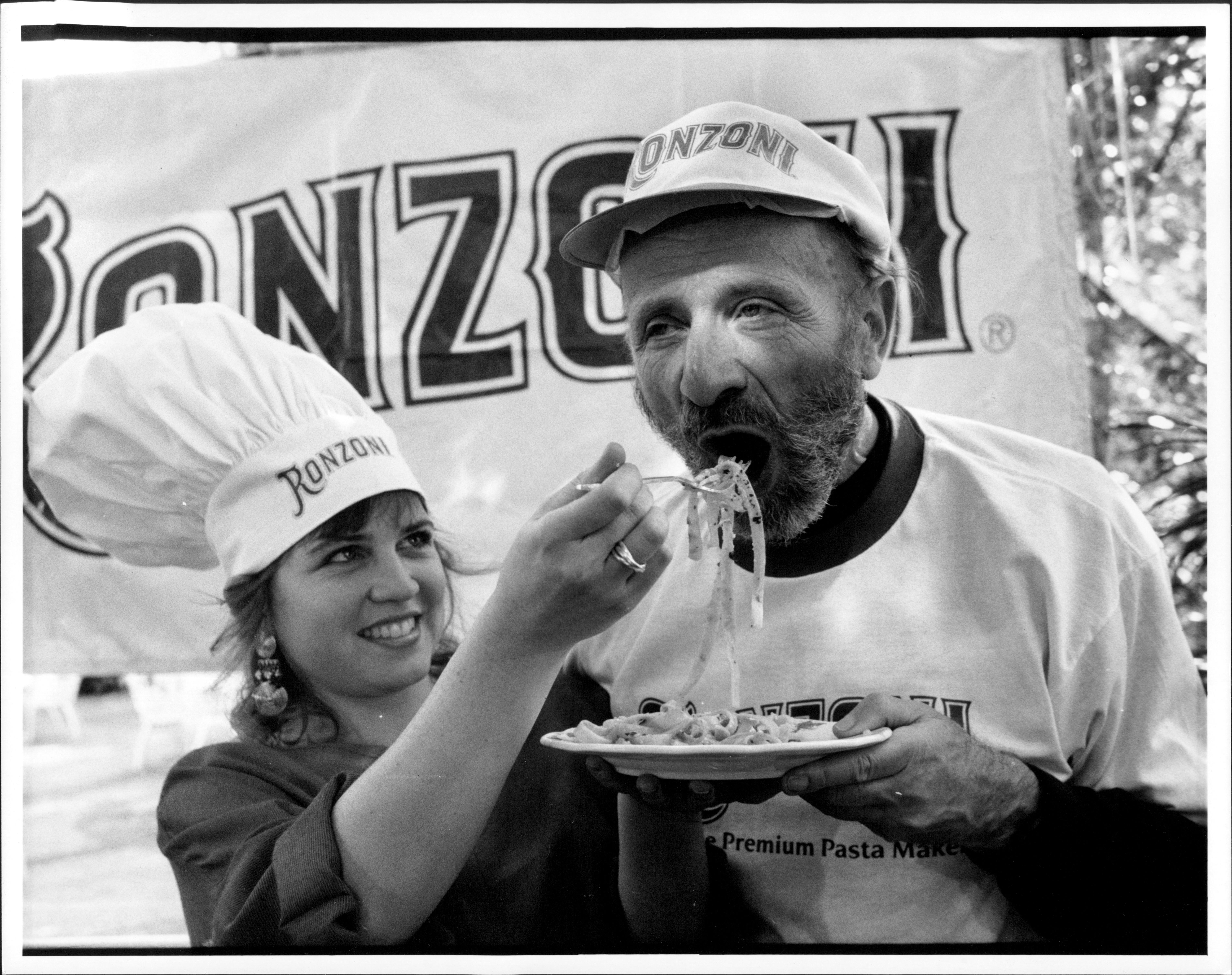Fred Lebow eats spaghetti
