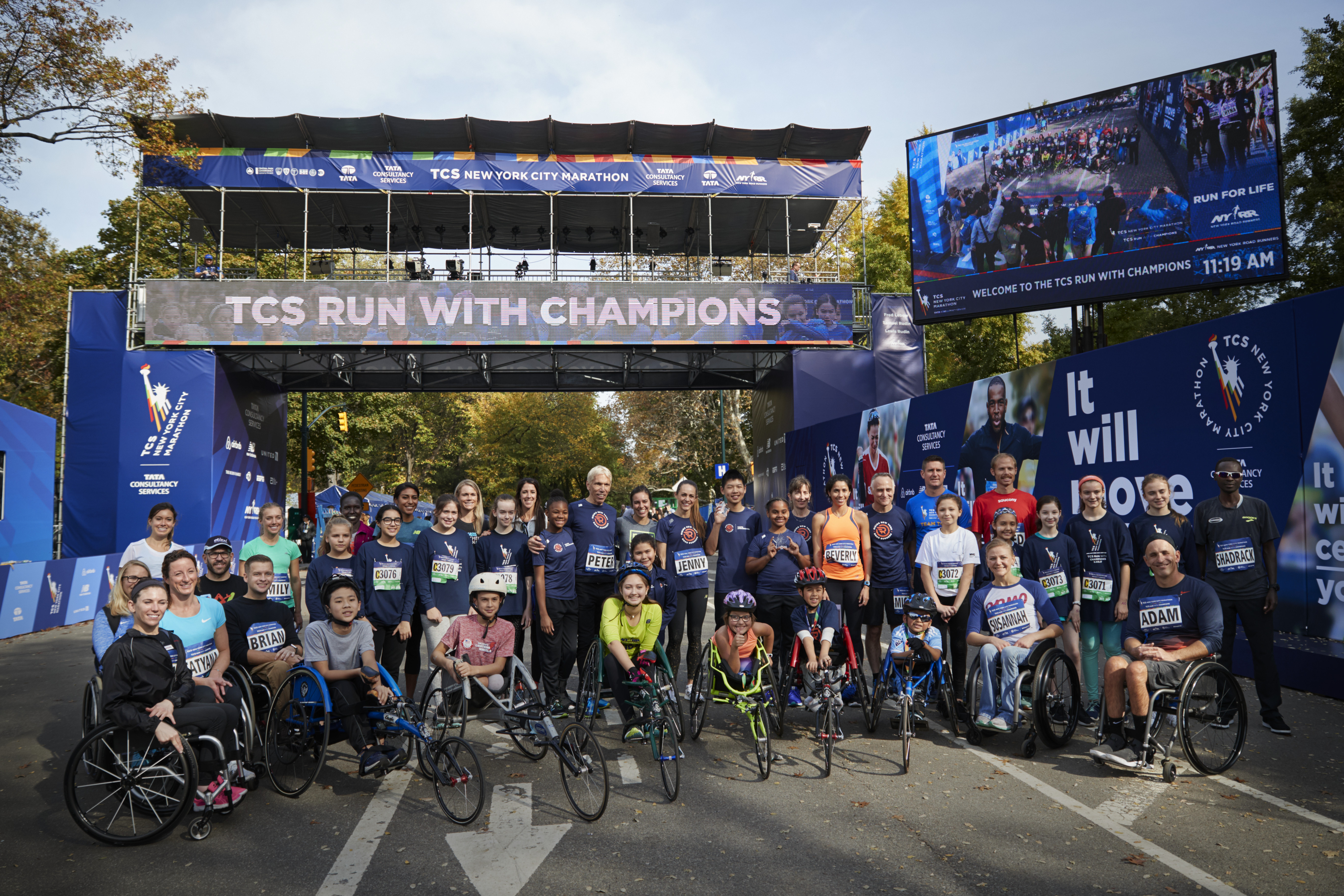 Group photo of the 2017 TCS Run with Champions