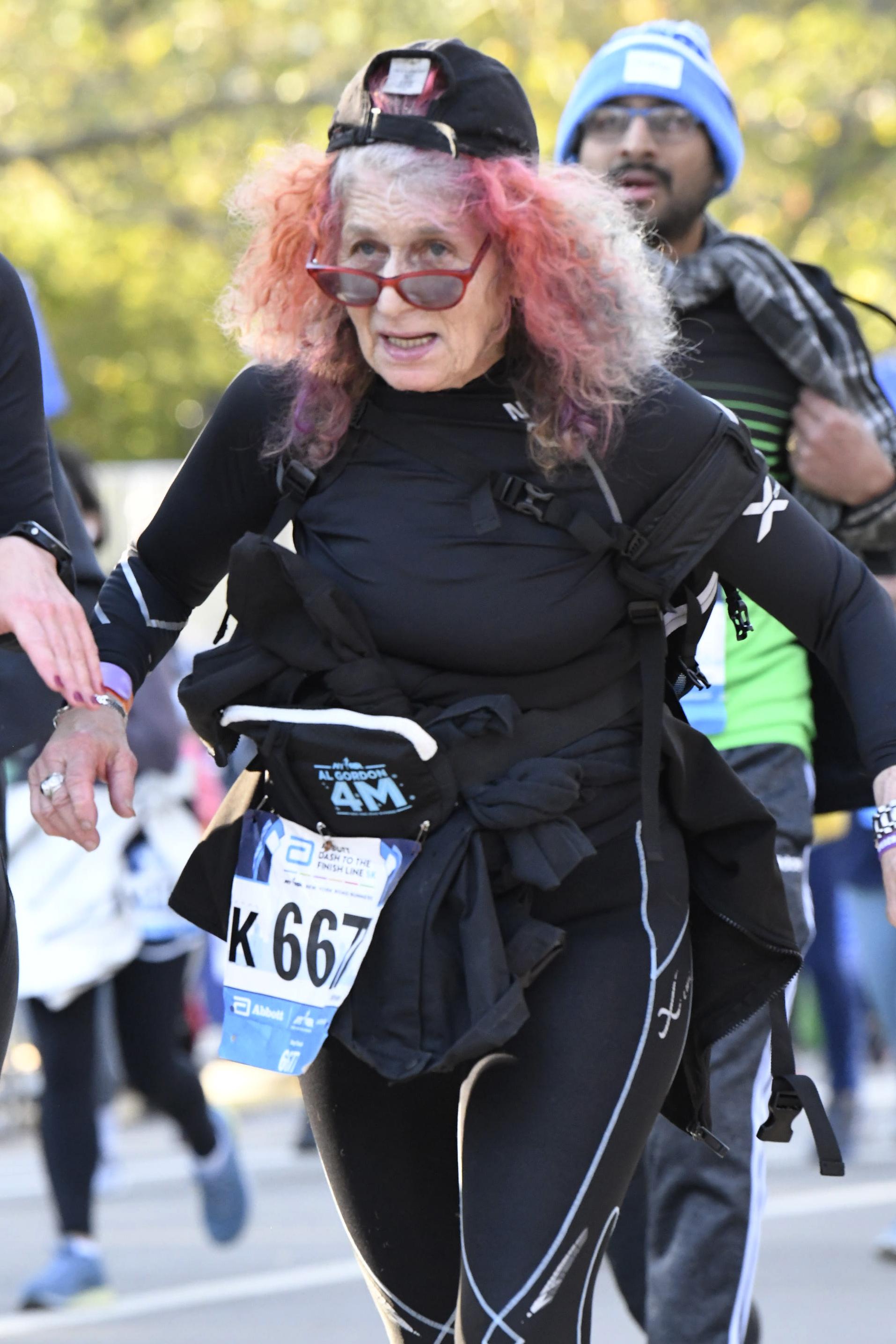 Runner Ruth Liebowitz in the 2019 NYRR al Gordon Brooklyn 4M